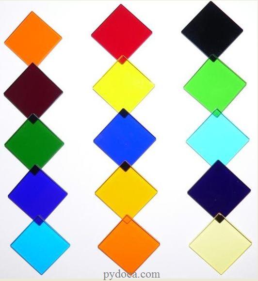 Một số mẫu kính màu ốp tường