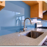 Những điều cần biết về kính ốp tường bếp