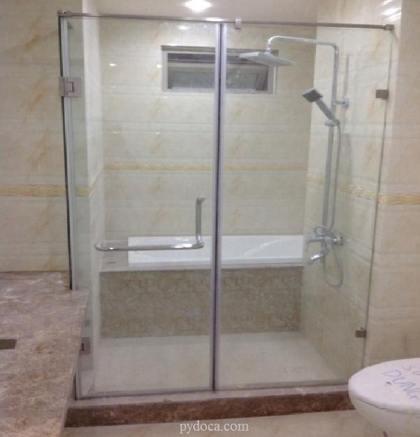 Phòng tắm kính cửa quay