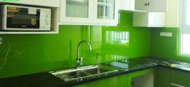 Tại sao nên dùng kính sơn màu cho gian BẾP nhà bạn