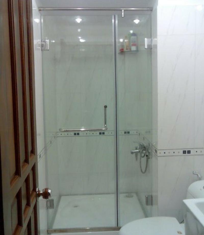 Vach tắm kính cường lực cửa mở 180 độ, Phạm Văn Chiêu, Gò Vấp