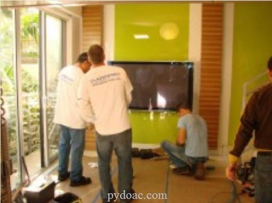 Lắp đặt kính màu ốp tường