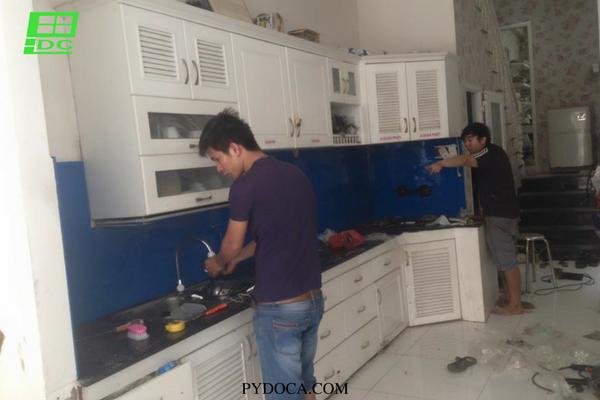 Kính ốp bếp tại quận 3
