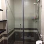 Phòng tắm kính lắp đặt hoàn thiện