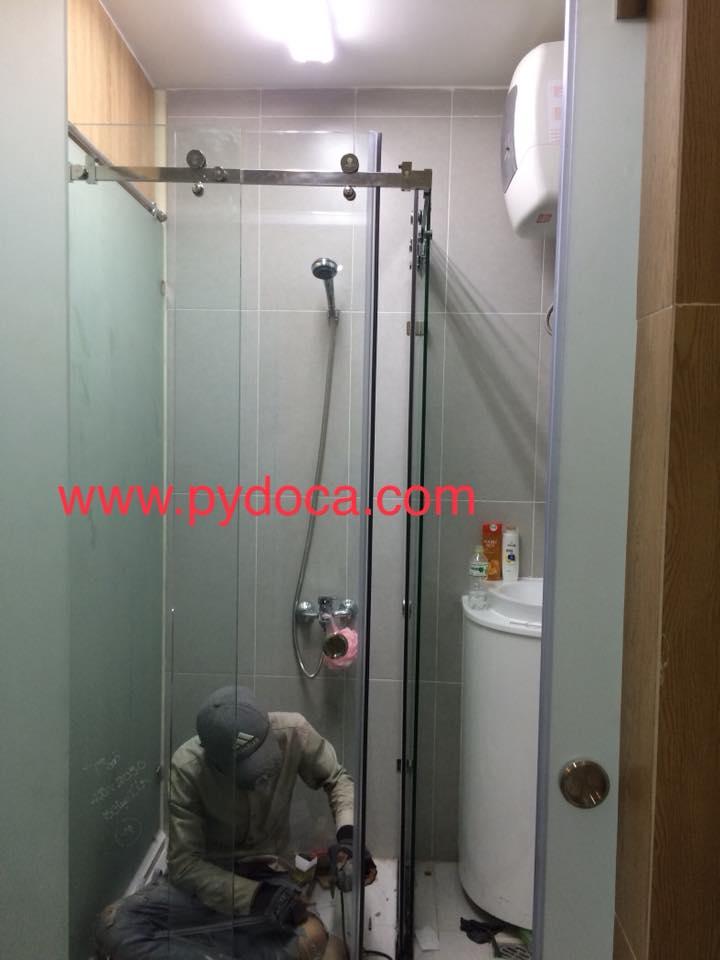 Phòng tắm kính cửa lùa