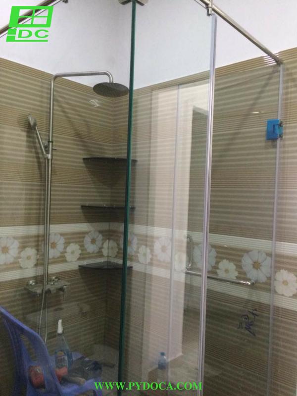 Phòng tắm kính cửa mở hoàn thiện