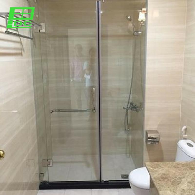 Vách tắm kính cường lực cửa mở tại chung cư Masteri, Q.2