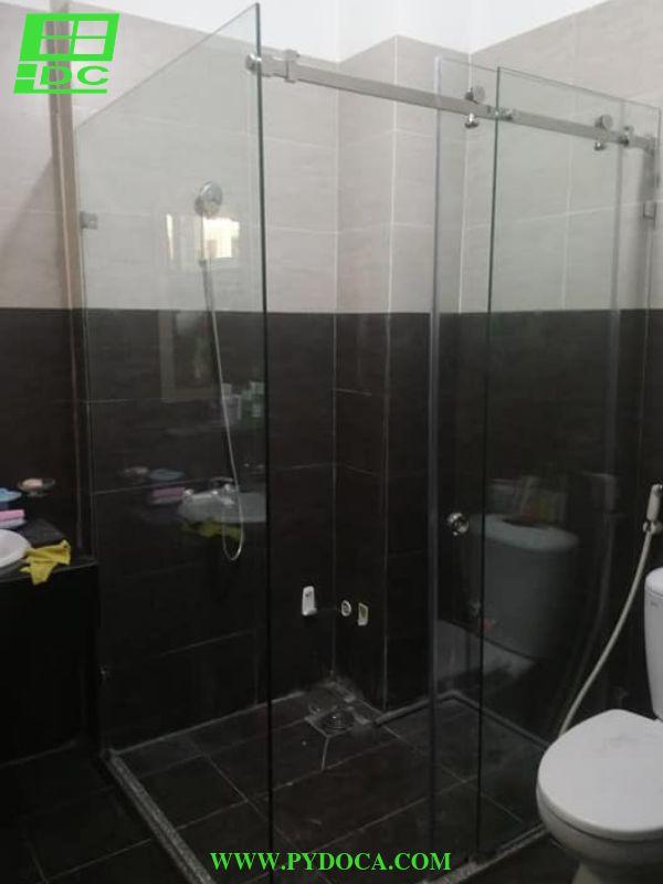Phòng tắm kính hoàn thiện