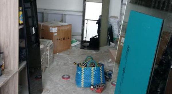 Kính màu ốp TỦ cho căn hộ chung cư Kingston