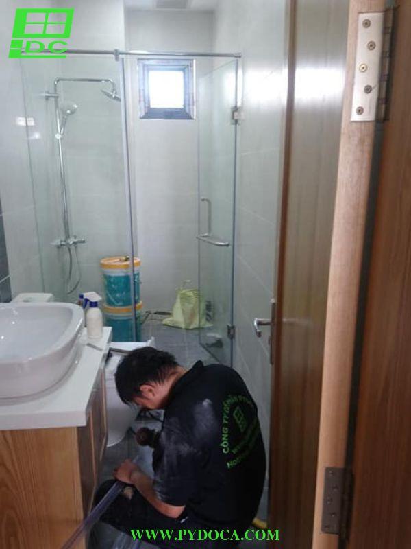 Lắp vách tắm kính 2